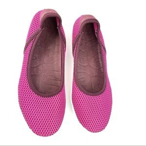 Tommy Bahama Flat Slip On Perforated Shoes Size 7